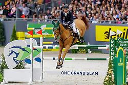 WILLIS Rowan (AUS), Blue Movie<br /> Genf - CHI Geneve Rolex Grand Slam 2019<br /> Rolex Grand Prix<br /> Internationale Springprüfung mit Stechen<br /> International Jumping Competition 1m60<br /> Grand Prix Against the Clock with Jump-Off<br /> 15. Dezember 2019<br /> © www.sportfotos-lafrentz.de/Stefan Lafrentz