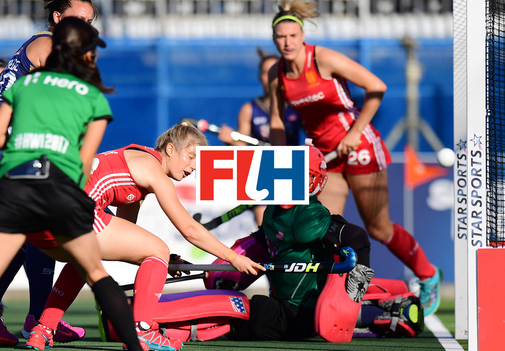 AUCKLAND - Sentinel Hockey World League final women<br /> Match id: 10304<br /> 15 USA v ENG (QF)<br /> Foto:  Sophie Bray ascores 0-1<br /> WORLDSPORTPICS COPYRIGHT FRANK UIJLENBROEK