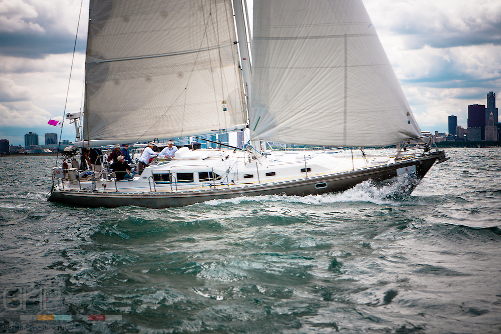 Lancashire Lass, USA 52290, preparing for the start of the 2009 Race to Mackinac.