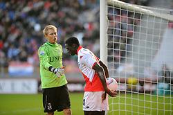 08-11-2009 VOETBAL: FC UTRECHT - HEERENVEEN: UTRECHT<br /> Utrecht verliest met 3-2 van Heerenveen / Jacob Mulenga en Brian Vandenbussche<br /> ©2009-WWW.FOTOHOOGENDOORN.NL