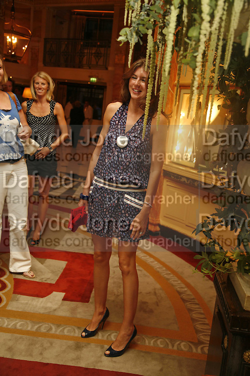 JULES OLIVER, launch of The Bar at the Dorchester. Park Lane. London. 27 June 2006. ONE TIME USE ONLY - DO NOT ARCHIVE  © Copyright Photograph by Dafydd Jones 66 Stockwell Park Rd. London SW9 0DA Tel 020 7733 0108 www.dafjones.com