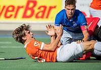 UTRECHT - Florian Fuchs (Bldaal) met Sander de Wijn (Kampong)   tijdens de hoofdklasse competitiewedstrijd mannen, Kampong-Bloemendaal (2-2) . ) . COPYRIGHT KOEN SUYK