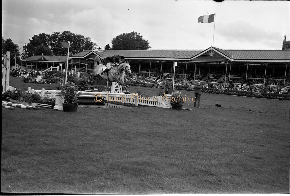 09/08/1962<br /> 08/09/1962<br /> 09 August 1961<br /> RDS Horse Show, Ballsbridge Dublin, Thursday.