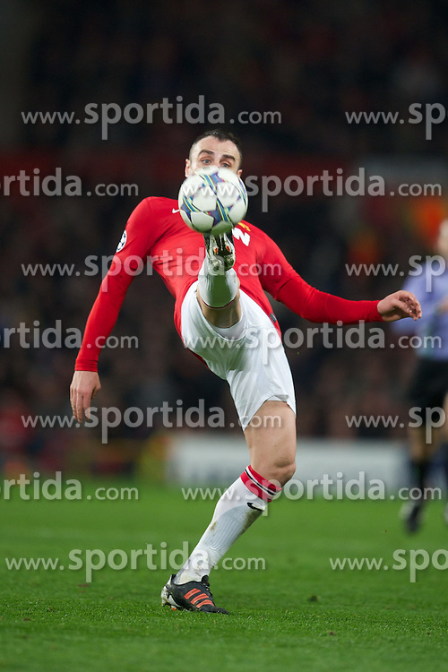 22.11.2011, Old Trafford, Manchester, ENG, UEFA CL, Gruppe C, Manchester United (ENG) vs Benfica Lissabon (POR), im Bild Manchester United's Dimitar Berbatov in action against SL Benfica during the football match of UEFA Champions league, group C, between Manchester United (ENG) vs Benfica Lissabon (POR) at Old trafford, Manchester, United Kingdom on 22/11/2011. EXPA Pictures © 2011, PhotoCredit: EXPA/ Sportida/ David Rawcliff..***** ATTENTION - OUT OF ENG, GBR, UK *****