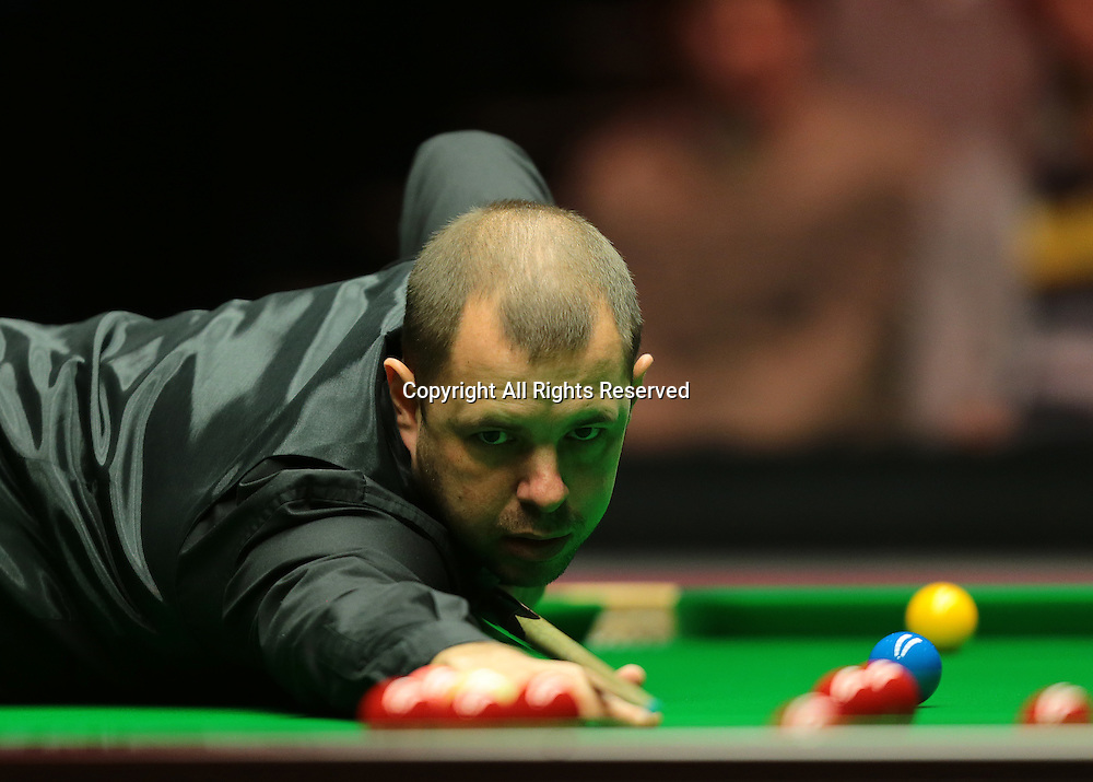 16.01.2016.  Alexandra Palace, London, England. Masters Snooker. Semi Finals. Barry Hawkins pots his way to winning the first frame
