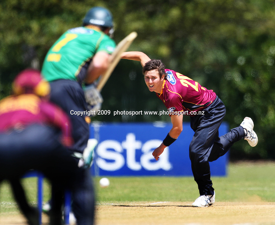 Northern bowler Trent Boult.<br /> One-day cricket - Central Stags v Northern Knights at Fitzherbert Park, Palmerston North. 23 December 2009. Photo: Dave Lintott/PHOTOSPORT