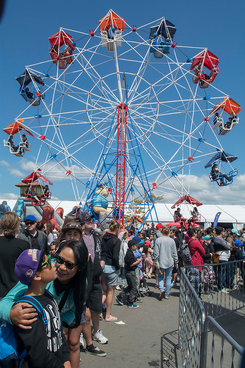 A Ferris wheel one of the fairground rides at the Canterbury A&amp;P Show, Christchurch, New Zealand, Friday, 13 November, 2015.<br /> Credit:SNPA / David Alexander