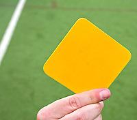 AMSTELVEEN -  gele, rode en groene kaart van de scheidsrechter bij het hockey. COPYRIGHT KOEN SUYK