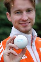 AMSTELVEEN - HOCKEY -Jaap Stockmann en Lidewij Welten zijn ambassadeur  van Interpolis, sponsor van de KNHB. FOTO KOEN SUYK