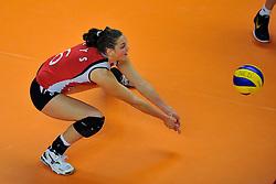 30-10-2011 VOLLEYBAL: NEDERLAND - BELGIE: ZWOLLE <br /> Nederland wint de tweede oefenwedstrijd met 3-2 van Belgie / Charlotte Leys (C)<br /> ©2011-WWW.FOTOHOOGENDOORN.NL