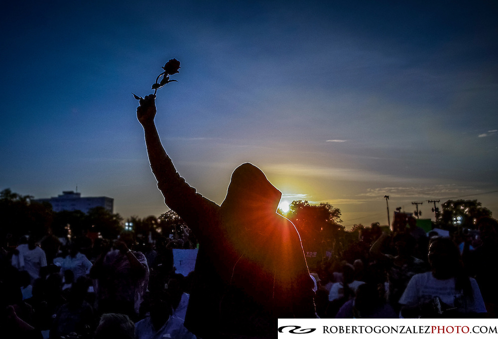 Sunset over a march in support of the life of Trayvon Martin, Photo by Roberto Gonzalez