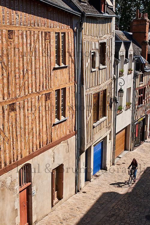 France, Region Centre-Val de Loire, Loiret (45), Orléans, rue de la Poterne // France, Loiret, Orleans, rue de la Poterne