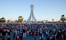 © under license to London News Pictures. 19/02/2011. Protesters gather at the Pearl Roundabout in Manama, Bahrain, the site of the shootings on Wednesday, to protest against the Royal Family's rule today (19/02/2011).  Photo credit should read Michael Graae/London News Pictures