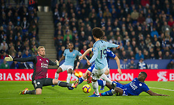 Leroy Sane of Manchester City (C) misses a goal scoring opportunity - Mandatory by-line: Jack Phillips/JMP - 26/12/2018 - FOOTBALL - King Power Stadium - Leicester, England - Leicester City v Manchester City - English Premier League