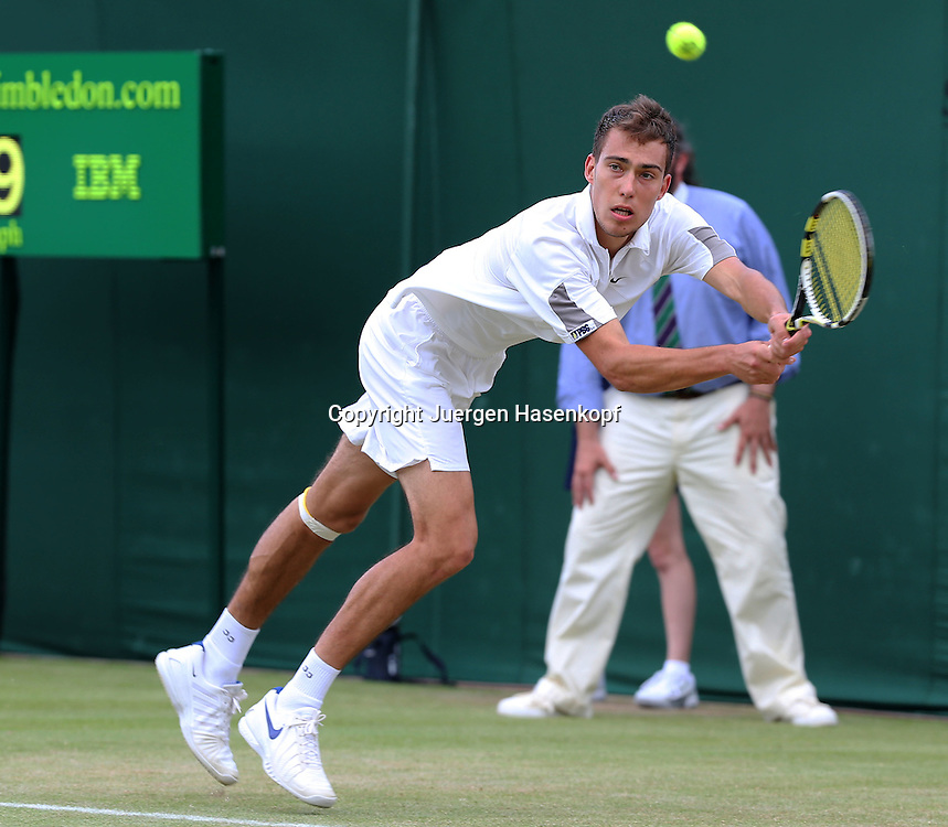 Wimbledon Championships 2012 AELTC,London,.ITF Grand Slam Tennis Tournament,.Jerzy Janowicz (POL), Aktion,,Einzelbild,Ganzkoerper,Querformat,