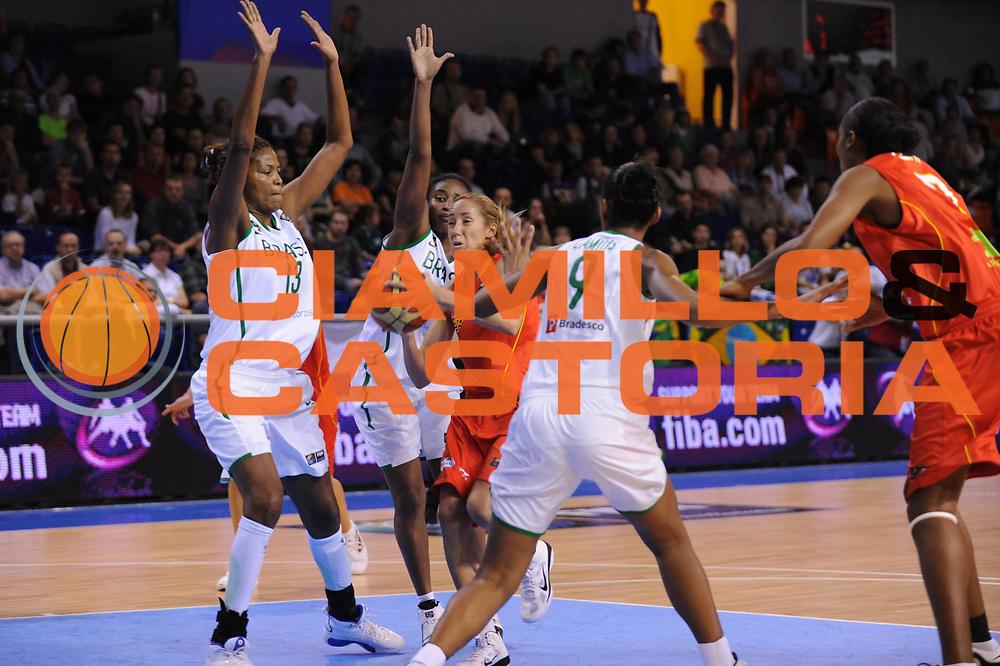 DESCRIZIONE : Brno Repubblica Ceca Czech Republic Women World Championship 2010 Campionato Mondiale Preliminary Round Brasil Spain<br /> GIOCATORE : Marta Fernandez<br /> SQUADRA : Spagna Spain<br /> EVENTO : Brno Repubblica Ceca Czech Republic Women World Championship 2010 Campionato Mondiale 2010<br /> GARA : Brasil Spain Brasile Spagna<br /> DATA : 25/09/2010<br /> CATEGORIA : penetrazione<br /> SPORT : Pallacanestro <br /> AUTORE : Agenzia Ciamillo-Castoria/ElioCastoria<br /> Galleria : Czech Republic Women World Championship 2010<br /> Fotonotizia : Brno Repubblica Ceca Czech Republic Women World Championship 2010 Campionato Mondiale Preliminary Round  Brasil Spain<br /> Predefinita :