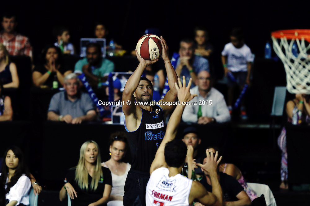 Mika Vukona of the Breakers takes a jumpshot. 2014/15 ANBL, SkyCity Breakers vs Wollongong Hawks, North Shore Events Centre, Auckland, New Zealand. Thursday 8 January 2015. Photo: Anthony Au-Yeung / www.photosport.co.nz