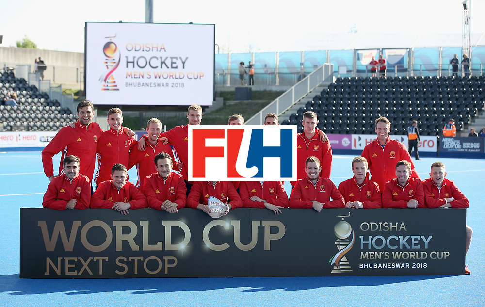 LONDON, ENGLAND - JUNE 25:  England players pose with their third place trophy after the final match between Argentina and the Netherlands on day nine of the Hero Hockey World League Semi-Final at Lee Valley Hockey and Tennis Centre on June 25, 2017 in London, England.  (Photo by Steve Bardens/Getty Images)