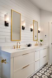 5026 Klingle house master bathroom