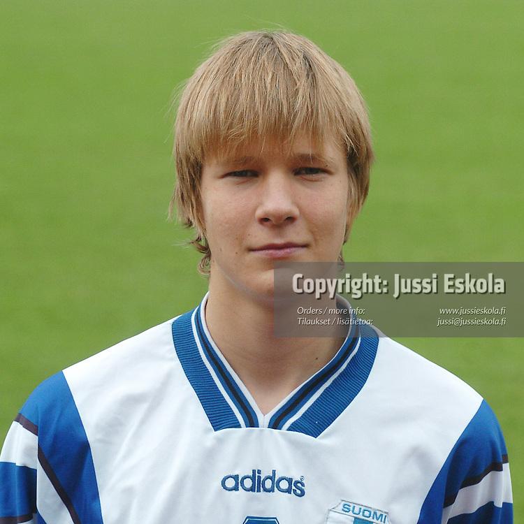 Arto Lindberg.&#xA;Alle 15-vuotiaiden maajoukkue v P-Irlanti, Eerikkilän Urheiluopisto 23.9.2004.&#xA;Photo: Jussi Eskola<br />