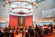 AMSTERDAM - Femke Halsema wordt tijdens een buitengewone raadsvergadering door Commissaris van de Koning Johan Remkes beedigd als burgemeester van Amsterdam. ROBIN UTRECHT
