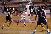 DESCRIZIONE : Roma LNP A2 2015-16 Acea Virtus Roma Assigeco Casalpusterlengo<br /> GIOCATORE : Alan Voskuil<br /> CATEGORIA : palleggio<br /> SQUADRA : Acea Virtus Roma<br /> EVENTO : Campionato LNP A2 2015-2016<br /> GARA : Acea Virtus Roma Assigeco Casalpusterlengo<br /> DATA : 01/11/2015<br /> SPORT : Pallacanestro <br /> AUTORE : Agenzia Ciamillo-Castoria/G.Masi<br /> Galleria : LNP A2 2015-2016<br /> Fotonotizia : Roma LNP A2 2015-16 Acea Virtus Roma Assigeco Casalpusterlengo