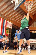 DESCRIZIONE : Bormio Ritiro Nazionale Italiana Maschile Preparazione Eurobasket 2007 Allenamento Preparazione fisica<br /> GIOCATORE : Angelo Gigli Andrea Crosariol<br /> SQUADRA : Nazionale Italia Uomini EVENTO : Bormio Ritiro Nazionale Italiana Uomini Preparazione Eurobasket 2007 GARA : <br /> DATA : 22/07/2007 <br /> CATEGORIA : Allenamento <br /> SPORT : Pallacanestro <br /> AUTORE : Agenzia Ciamillo-Castoria/E.Castoria<br /> Galleria : Fip Nazionali 2007 <br /> Fotonotizia : Bormio Ritiro Nazionale Italiana Maschile Preparazione Eurobasket 2007 Allenamento <br /> Predefinita :