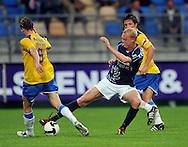 22-08-2008: Voetbal: RKC WAALWIJK:GO AHEAD EAGLES:WAALWIJK <br /> Een prachtig debuut voor Sander Post die de bal afpakt van Van Mosselveld<br /> Foto: Geert van Erven