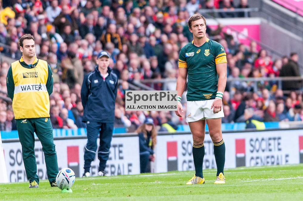 South Africa's Handre Pollard kicks a penalty. Action from the South Africa v Wales quarter final game at the 2015 Rugby World Cup at Twickenham in London, 17 October 2015. (c) Paul J Roberts / Sportpix.org.uk
