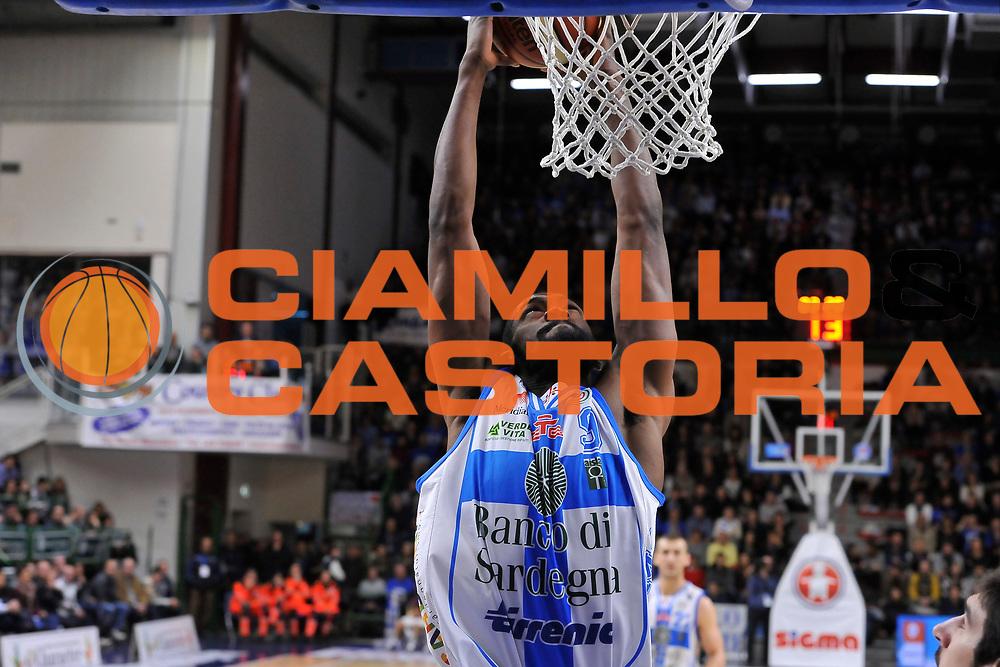 DESCRIZIONE : Campionato 2014/15 Dinamo Banco di Sardegna Sassari - Vanoli Cremona<br /> GIOCATORE : Shane Lawal<br /> CATEGORIA : Schiacciata<br /> SQUADRA : Dinamo Banco di Sardegna Sassari<br /> EVENTO : LegaBasket Serie A Beko 2014/2015<br /> GARA : Dinamo Banco di Sardegna Sassari - Vanoli Cremona<br /> DATA : 10/01/2015<br /> SPORT : Pallacanestro <br /> AUTORE : Agenzia Ciamillo-Castoria / Luigi Canu<br /> Galleria : LegaBasket Serie A Beko 2014/2015<br /> Fotonotizia : Campionato 2014/15 Dinamo Banco di Sardegna Sassari - Vanoli Cremona<br /> Predefinita :
