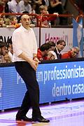 DESCRIZIONE : Campionato 2015/16 Giorgio Tesi Group Pistoia Dolomiti Energia Trentino<br /> GIOCATORE : Esposito Vincenzo<br /> CATEGORIA : Coach Allenatore Mani Delusione<br /> SQUADRA : Giorgio Tesi Group Pistoia<br /> EVENTO : LegaBasket Serie A Beko 2015/2016<br /> GARA : Giorgio Tesi Group Pistoia - Dolomiti Energia Trentino<br /> DATA : 31/01/2016<br /> SPORT : Pallacanestro <br /> AUTORE : Agenzia Ciamillo-Castoria/S.D'Errico<br /> Galleria : LegaBasket Serie A Beko 2015/2016<br /> Fotonotizia : Campionato 2015/16 Giorgio Tesi Group Pistoia - Dolomiti Energia Trentino<br /> Predefinita :