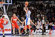 DESCRIZIONE : Beko Legabasket Serie A 2015- 2016 Dinamo Banco di Sardegna Sassari - Openjobmetis Varese<br /> GIOCATORE : Lorenzo D'Ercole<br /> CATEGORIA : Tiro Tre Punti Three Point Controcampo<br /> SQUADRA : Dinamo Banco di Sardegna Sassari<br /> EVENTO : Beko Legabasket Serie A 2015-2016<br /> GARA : Dinamo Banco di Sardegna Sassari - Openjobmetis Varese<br /> DATA : 07/02/2016<br /> SPORT : Pallacanestro <br /> AUTORE : Agenzia Ciamillo-Castoria/C.Atzori