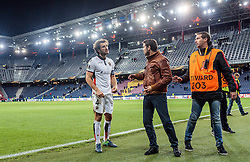 20.10.2016, Red Bull Arena, Salzburg, AUT, UEFA EL, FC Red Bull Salzburg vs OGC Nizza, Gruppe I, im Bild Paul Baysse (OGC Nice) diskutiert mit fans // Paul Baysse (OGC Nice) Discussed with fans during the UEFA Europa League group I match between FC Red Bull Salzburg and OGC Nizza at the Red Bull Arena in Salzburg, Austria on 2016/10/20. EXPA Pictures © 2016, PhotoCredit: EXPA/ JFK