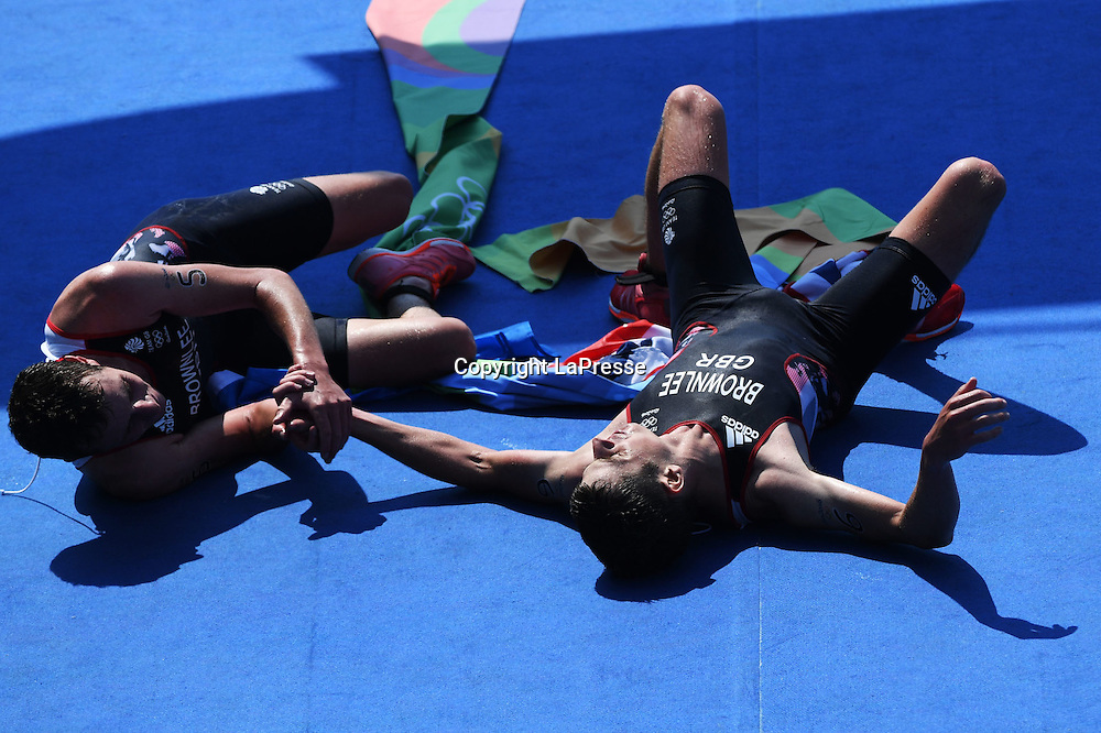 Foto  LaPresse/  Gian Mattia D'Alberto<br /> 18-08-2016  Rio de Janeiro<br /> sport<br /> Giochi Olimpici Rio 2016 - triathlon<br /> nella foto: BROWNLEE Alistair,oro,  BROWNLEE Jonathan GBR, argento<br /> <br /> Photo LaPresse/ Gian Mattia D'Alberto<br /> 18-08-2016  Rio de Janeiro<br /> Rio 2016 Olympic  Games - triathlon<br /> In the picture: BROWNLEE Alistair,gold, BROWNLEE Jonathan GBR, silver