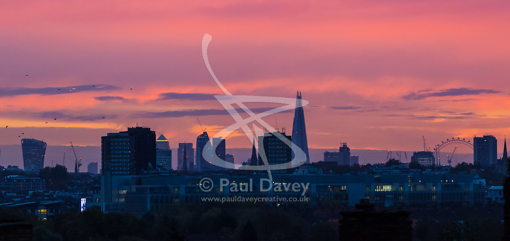 London, October 23 2017. The sun rises on day one of London's new anti-pollution T-Charge. © Paul Davey