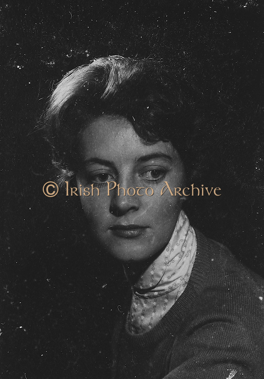 "Gael Linn.Pictured at the rehearsals is Maire Ni Ruin who is taking part in the Gael Linn production Seán Ó Riada's ""Spailpin a Ruin"" premiere at Damer Theatre, Stephen's Green as part of the International Theatre Festival.  08.09.1960."