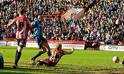 SHEFFIELD, ENGLAND - Saturday, March 1, 2008: Charlton Athletic's Chris Iwelumo scores the opening goal against Sheffield United during the League Championship match at Bramall Lane. (Photo by David Rawcliffe/Propaganda)