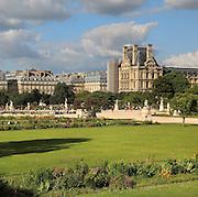 Octagonal water basin in Jardin des Tuileries (Tuileries Gardens), 1664, Le Notre, Paris, France. Picture by Manuel Cohen