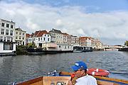 Nederland, Middelburg, 14-9-2014 Rondvaart door de kanalen van Middelburg. De oude binnenstad van de provinciehoofdstad. Veel historische bebouwing getuigen van een rijk verleden met grote welvaart tijdens de gouden eeuw. FOTO: FLIP FRANSSEN/ HOLLANDSE HOOGTE