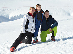 22.02.2016, Lech, AUT, Fototermin mit der Niederländischen Königsfamilie in Lech am Arlberg, im Bild Hollands König Willem-Alexander,Count Claus-Casimir,Prinz Constantijn // Dutch King Willem-Alexander,Count Claus-Casimir,Prince Constantijn pose for photographers during a photo session in the Austrian skiing resort of in Lech, on Monday, Feb. 22, 2016. The Dutch Royal family is currently spending their winter vacation in the western Austrian province of Vorarlberg. Lech, Austria on 2016/02/22. EXPA Pictures © 2016, PhotoCredit: EXPA/ Stringer