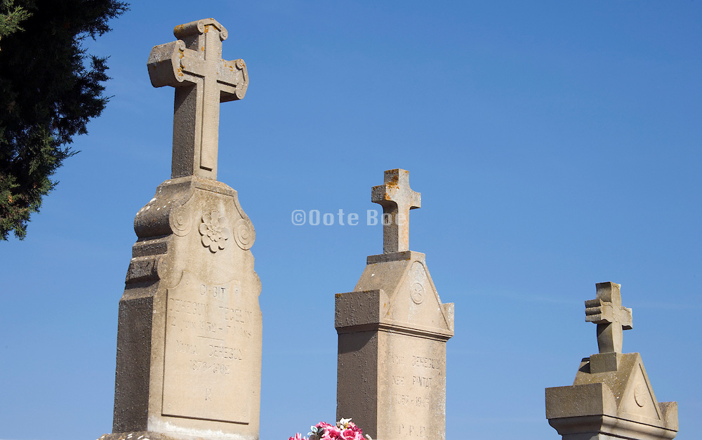 crosses on headstones