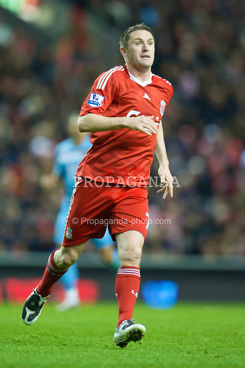 LIVERPOOL, ENGLAND - Monday, December 1, 2008: Liverpool's Robbie Keane in action against West Ham United during the Premiership match at Anfield. (Photo by David Rawcliffe/Propaganda)