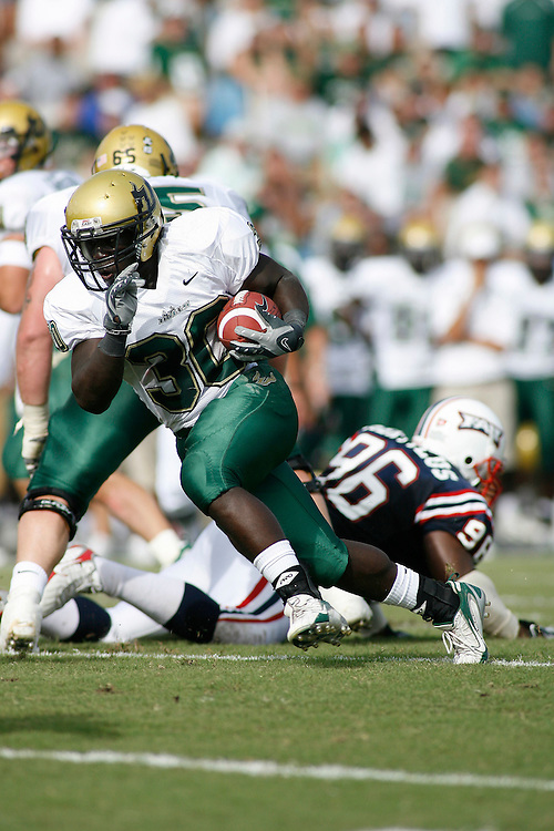 October 6, 2007 - Ft. Lauderdale, FL<br /> <br /> #30 Benjamin Williams of the South Florida Bulls in action during the University of South Florida's 35-23 victory over Florida Atlantic University at Lockhart Stadium in Ft. Lauderdale, Florida.<br /> <br /> JC Ridley/CSM