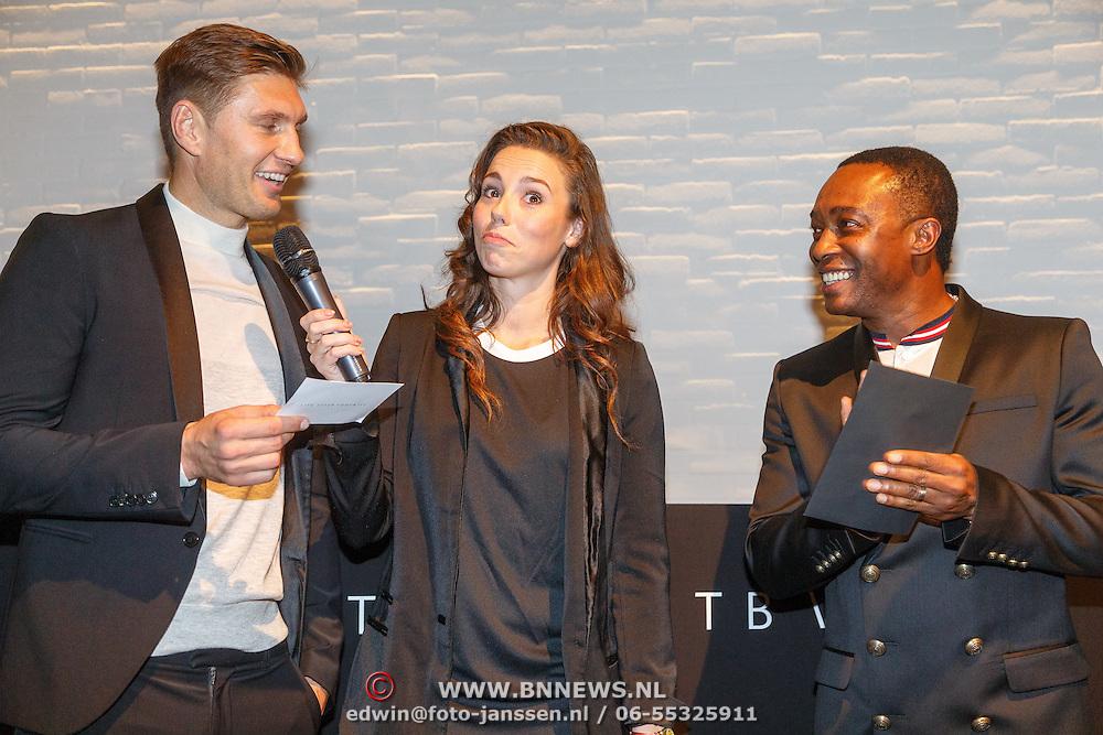 NLD/Amsterdam/20151110 - Life After Football Award 2015, Gwen van poorten en Evgeniy Levchenko en Regi Blinker