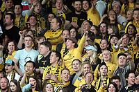 Fotball , 16.mai 2006 , Tippeligaen , Lillestrøm - Molde 3-0,  illustrasjon , kanarifansen , fan , fans , supporter , supportere , publikum , tilskuer , tilskuere