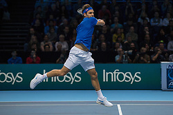 November 17, 2018 - Londres, Inglaterra - LONDRES, LO - 17.11.2018: ATP FINALS 2018 - Roger Federer (SUI) in a match valid for the ATP Finals 2018 tournament held in London, England. (Credit Image: © Andre Chaco/Fotoarena via ZUMA Press)