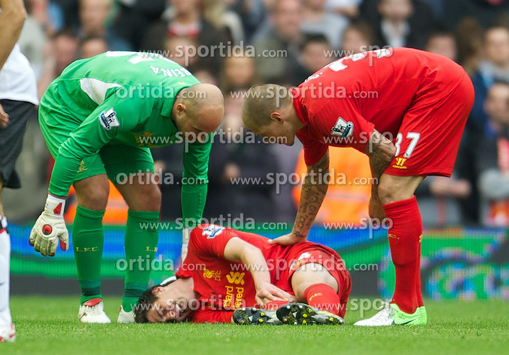 23.09.2012, Anfield, Liverpool, ENG, Premier League, FC Liverpool vs Manchester United, 5. Runde, im Bild Liverpool's Jack Robinson lies injured against Manchester United during the English Premier League 5th round match between Liverpool FC and Manchester United at Anfield, Liverpool, Great Britain on 2012/09/23. EXPA Pictures © 2012, PhotoCredit: EXPA/ Propagandaphoto/ David Rawcliff..***** ATTENTION - OUT OF ENG, GBR, UK *****
