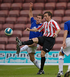 Widnes, England - Tuesday, September 4, 2007: Sunderland's David Connolly and Everton's Patrick Boyle during the Premier League Reserve match at the Halton Stadium. (Photo by David Rawcliffe/Propaganda)