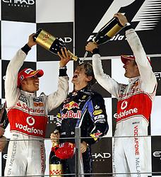 Motorsports / Formula 1: World Championship 2010, GP of Abu Dhabi, 02 Lewis Hamilton (GBR, Vodafone McLaren Mercedes), 05 Sebastian Vettel (GER, Red Bull Racing), 01 Jenson Button (GBR, Vodafone McLaren Mercedes),