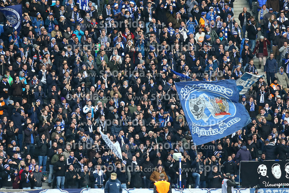05.12.2015, Olympiastadion, Berlin, GER, 1. FBL, Hertha BSC vs Bayer 04 Leverkusen, 15. Runde, im Bild Die Hertha-Fans stimmen sich auf das Spiel ein // during the German Bundesliga 15th round match between Hertha BSC and Bayer 04 Leverkusen at the Olympiastadion in Berlin, Germany on 2015/12/05. EXPA Pictures &copy; 2015, PhotoCredit: EXPA/ Eibner-Pressefoto/ Hundt<br /> <br /> *****ATTENTION - OUT of GER*****